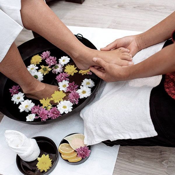 Bath and foot exfoliation during foot reflexology